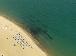 stroje na plaży