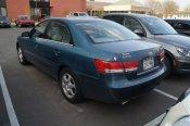 samochód marki Hyundai